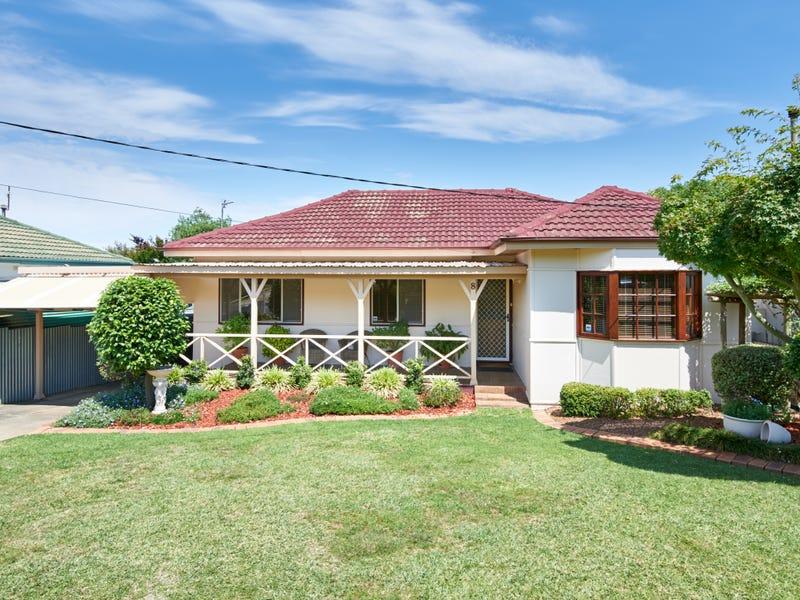 8 Waranga Avenue, Mount Austin, NSW 2650
