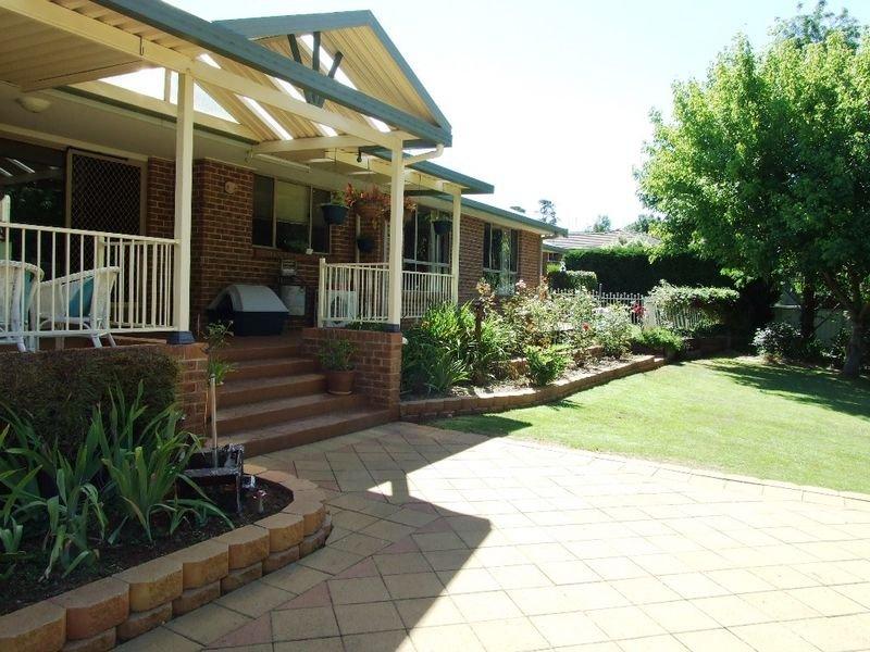 14 Casuarina Drive, Orange, NSW 2800
