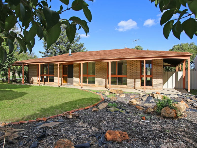 80 James Cook Avenue, Howlong, NSW 2643