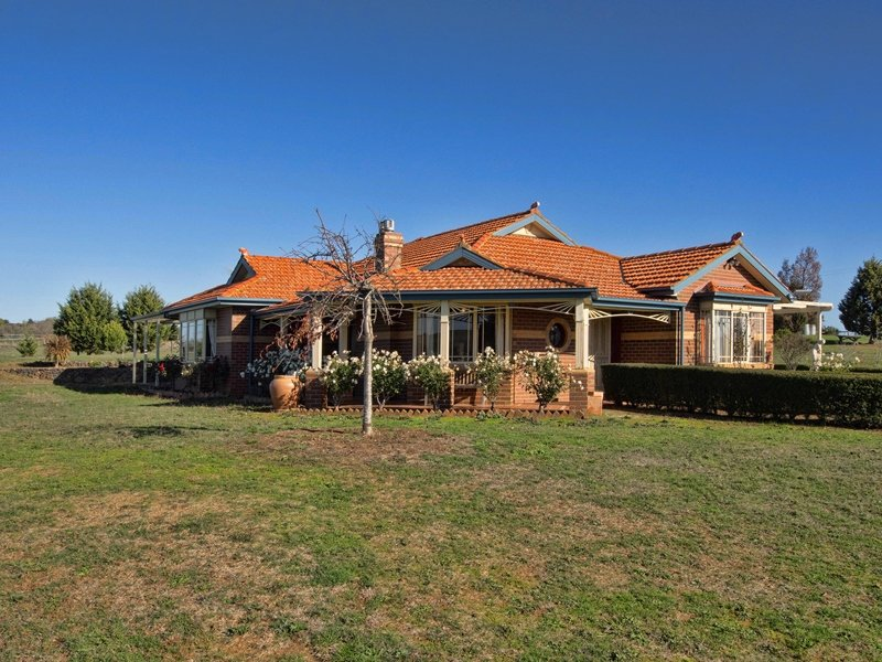 192 Crows Road, Woodend North, Vic 3442