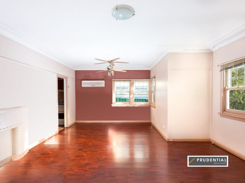 22 Twenty Seventh Avenue, West Hoxton, NSW 2171
