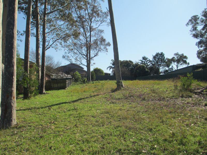 13 Renee Crescent, Moruya Heads, NSW 2537