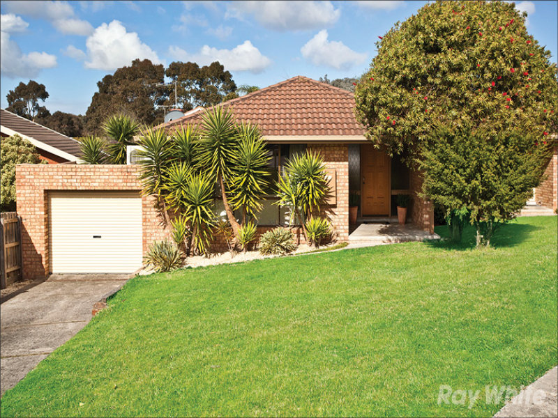 1/4 Moonstone Court, Wheelers Hill, Vic 3150