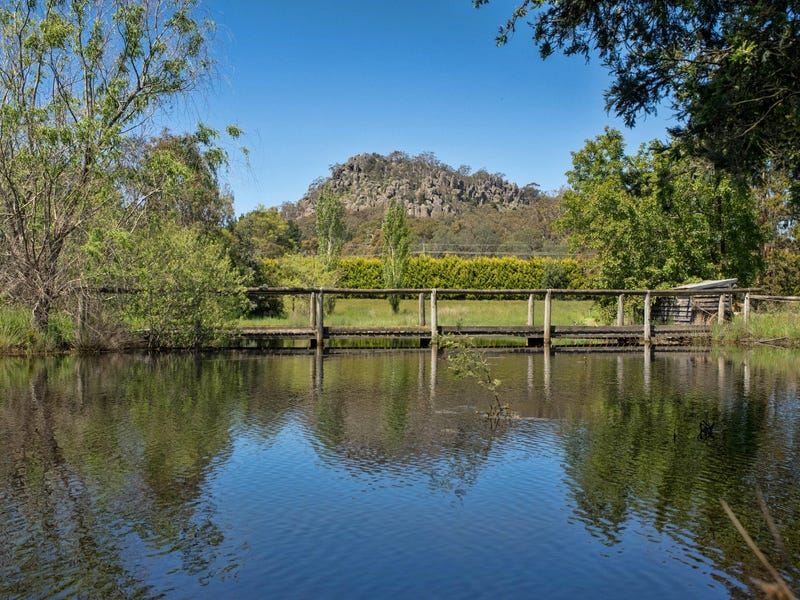 123 Coach Road, Woodend, Vic 3442