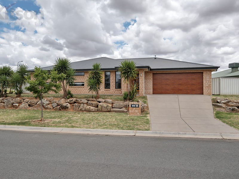 1 Pinnacle Place, Estella, NSW 2650