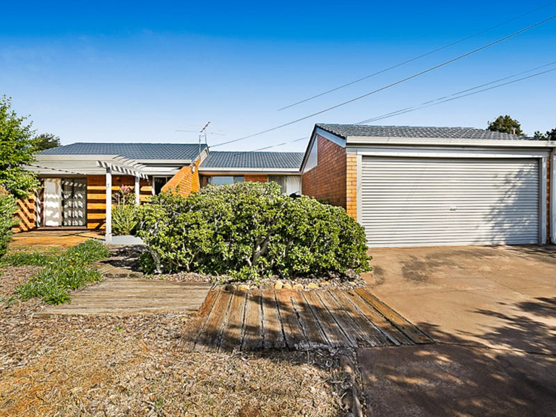 17 Claire Street, Centenary Heights, Qld 4350