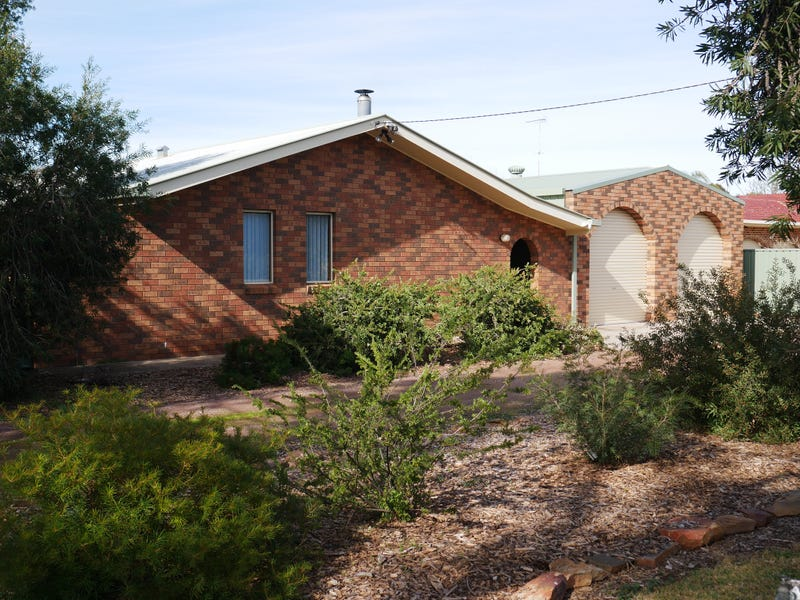 104 Petersham Rd, Leeton, NSW 2705
