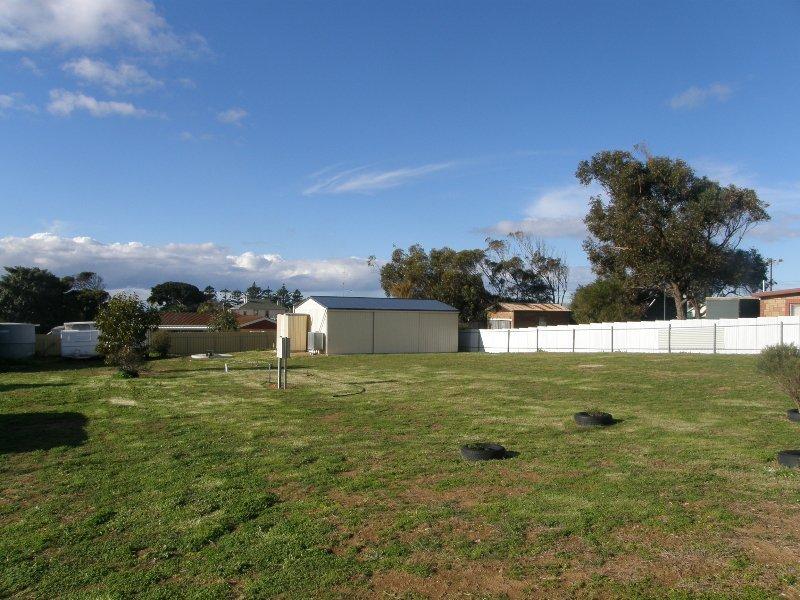 16 O'Loughlin Terrace, Port Neill, SA 5604