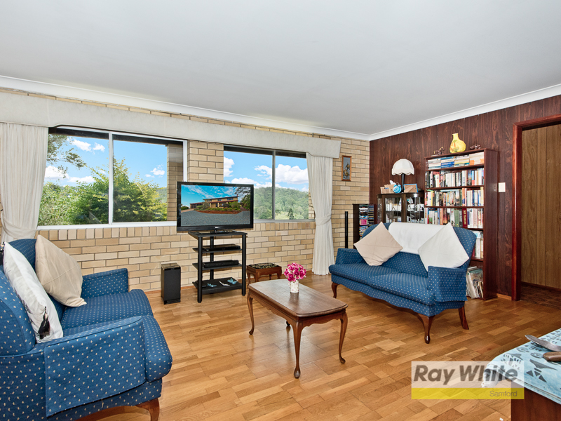 8 Riding Court, Clear Mountain, Qld 4500