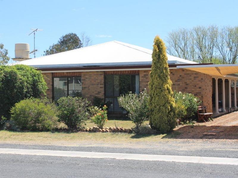 81 Moore Street, Emmaville, NSW 2371