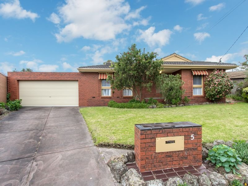 5 McAlpine Court, Dandenong North, Vic 3175
