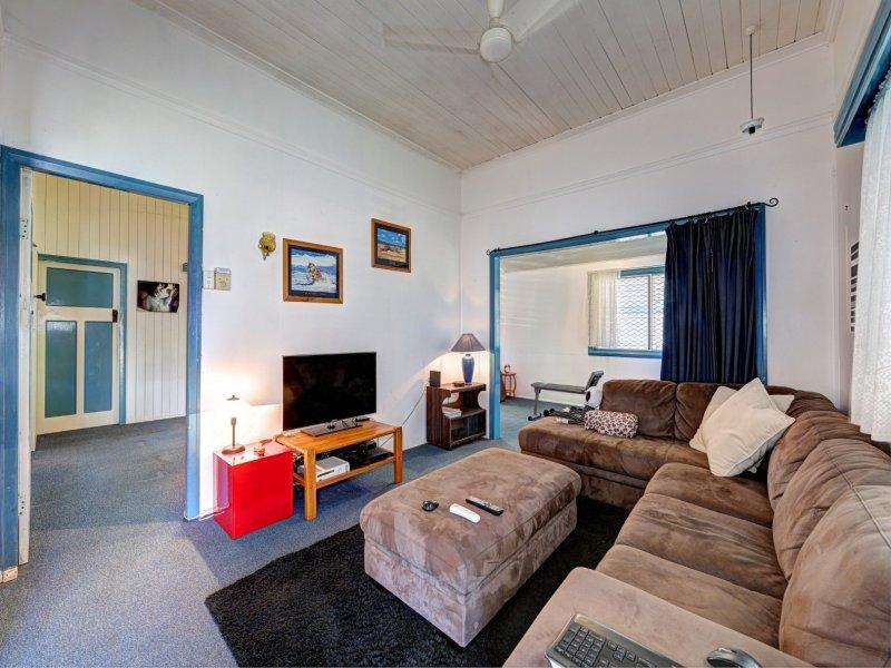 15 Curtis Street, Bundaberg South, Qld 4670