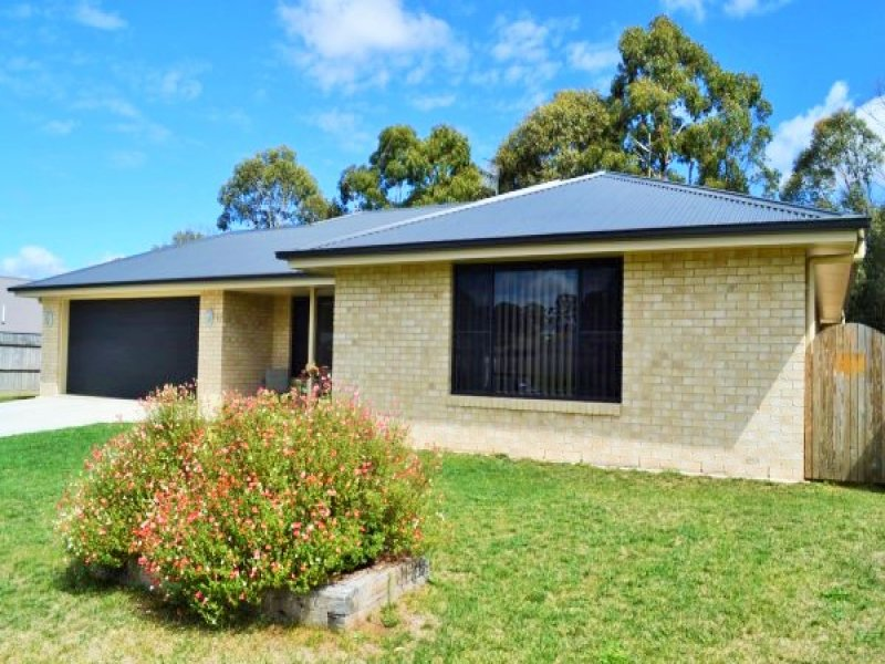 17 Claret Ash Drive, Guyra, NSW 2365