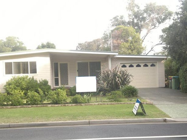 8 Chelmsford Road E, Lake Haven, NSW 2263