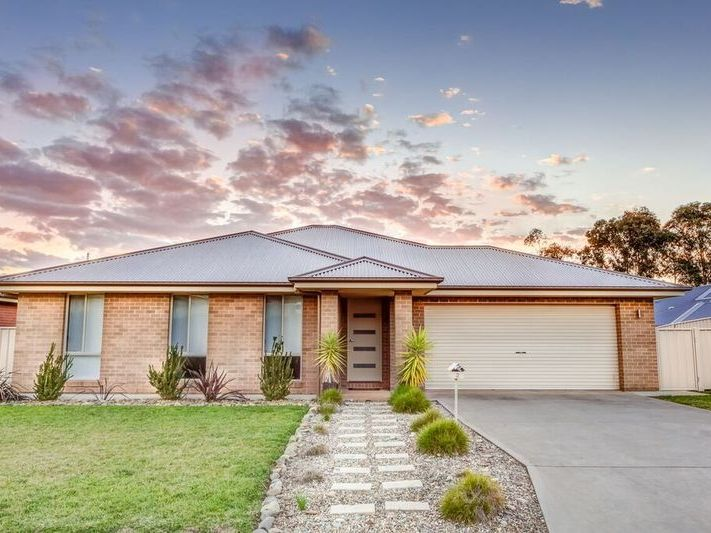 2 Cremin Court, Thurgoona, NSW 2640
