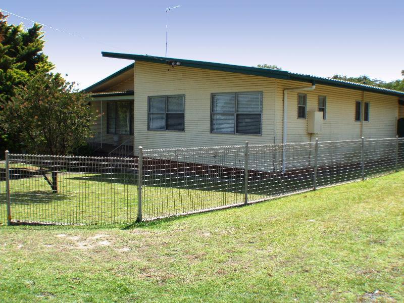 4 Elgata Street, Bateau Bay, NSW 2261