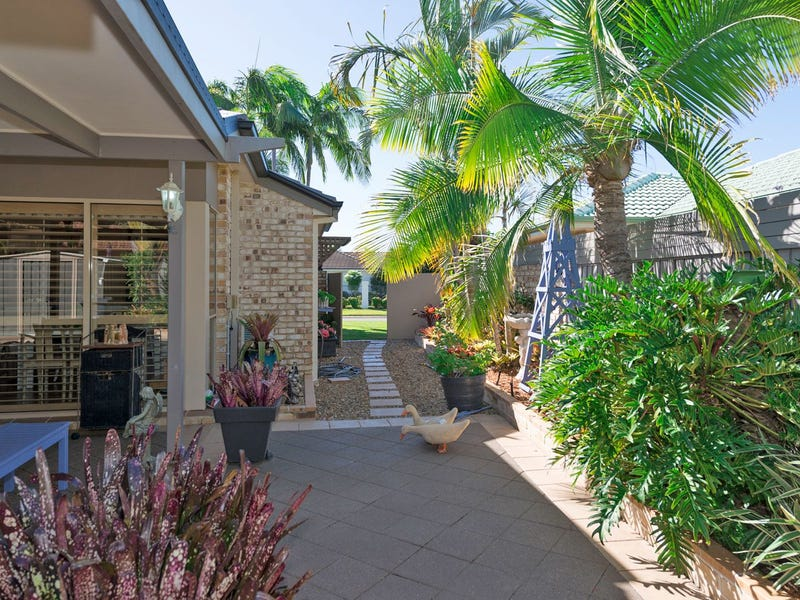 57 Martingale Circuit, Clear Island Waters, Qld 4226