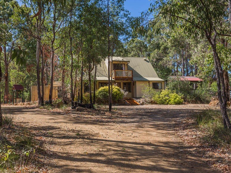 330 Malabar Road, Sawyers Valley, WA 6074