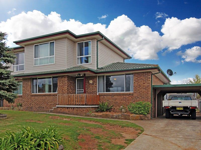 10 Merrett Drive, Moss Vale, NSW 2577