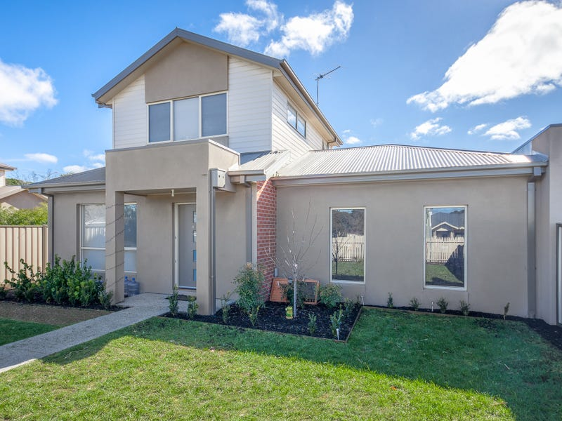 Unit 8,96 Station Road, Gisborne, Vic 3437
