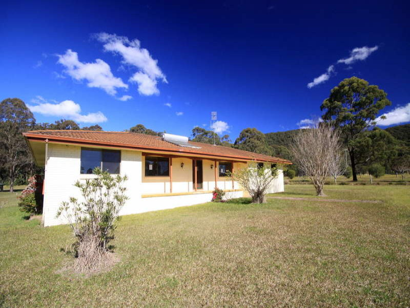 25 Newmans Drive, Coomba Bay, NSW 2428