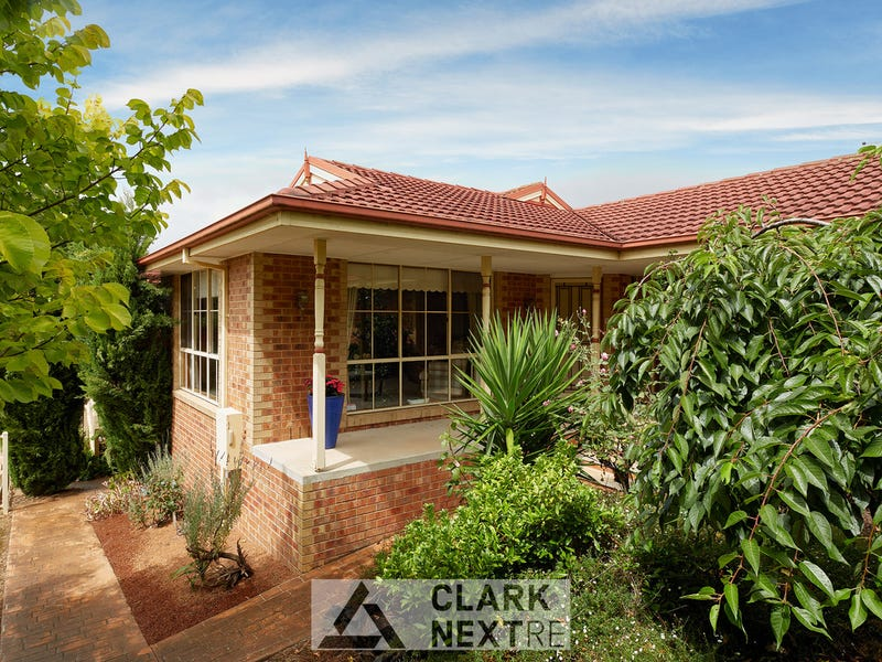42 Outlook Drive, Drouin, Vic 3818