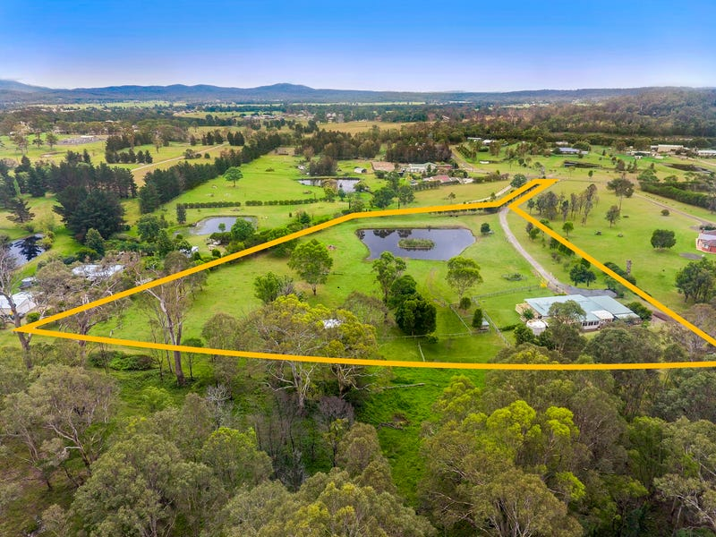 35 Pear Tree Place, Moruya, NSW 2537
