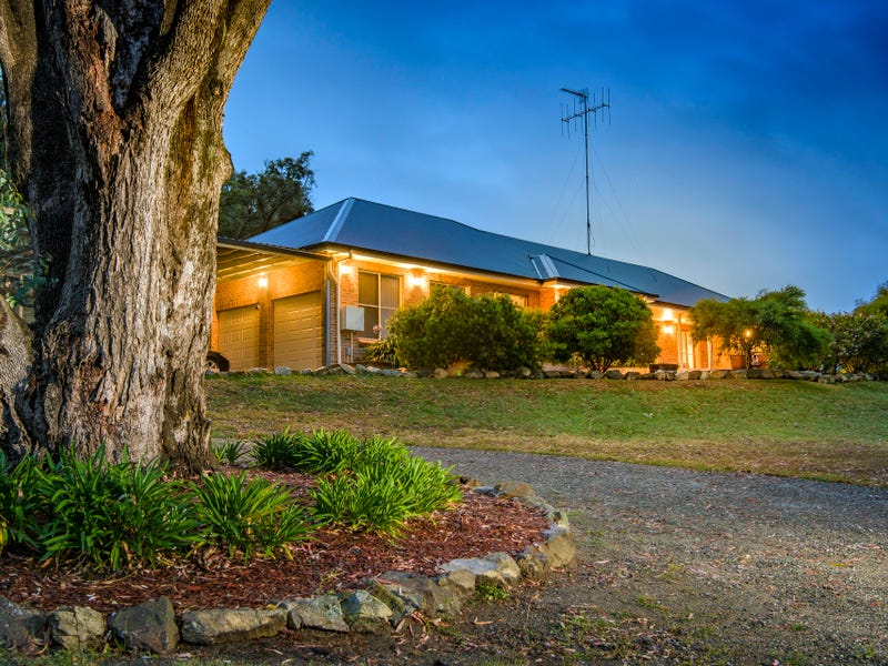 16 O'Malley Place, Googong, NSW 2620