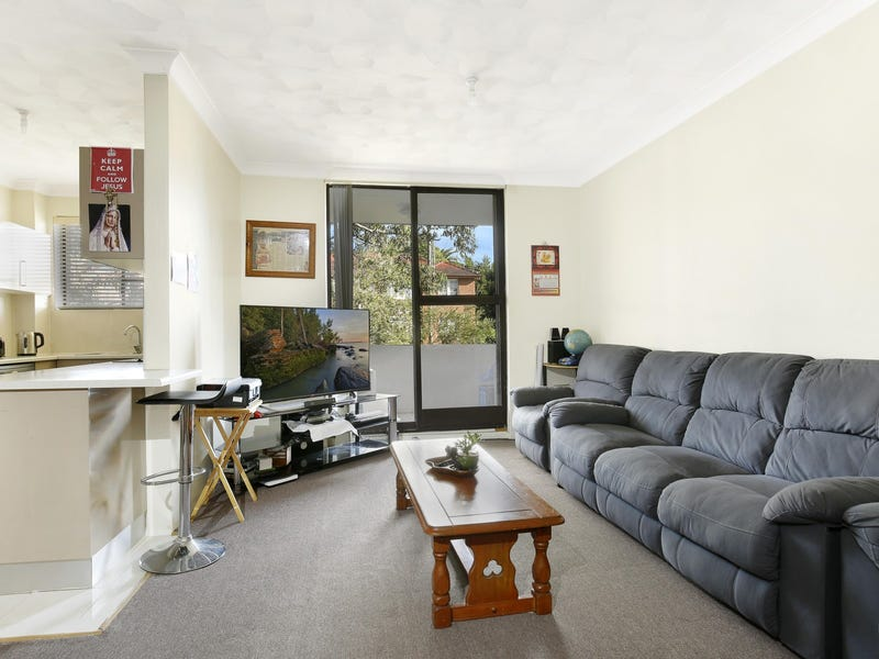 2/70 Smith Street, Wollongong, NSW 2500