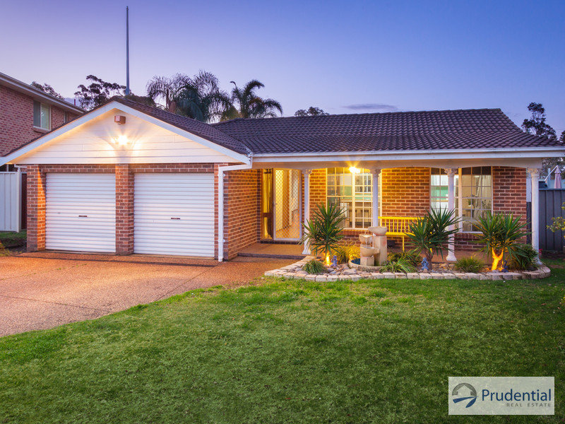 15 Sandown Cl, Casula, NSW 2170
