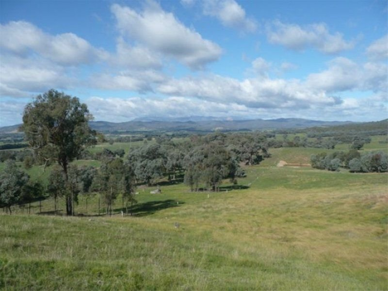 1 Kneebones Gap Road, Whorouly, Vic 3735