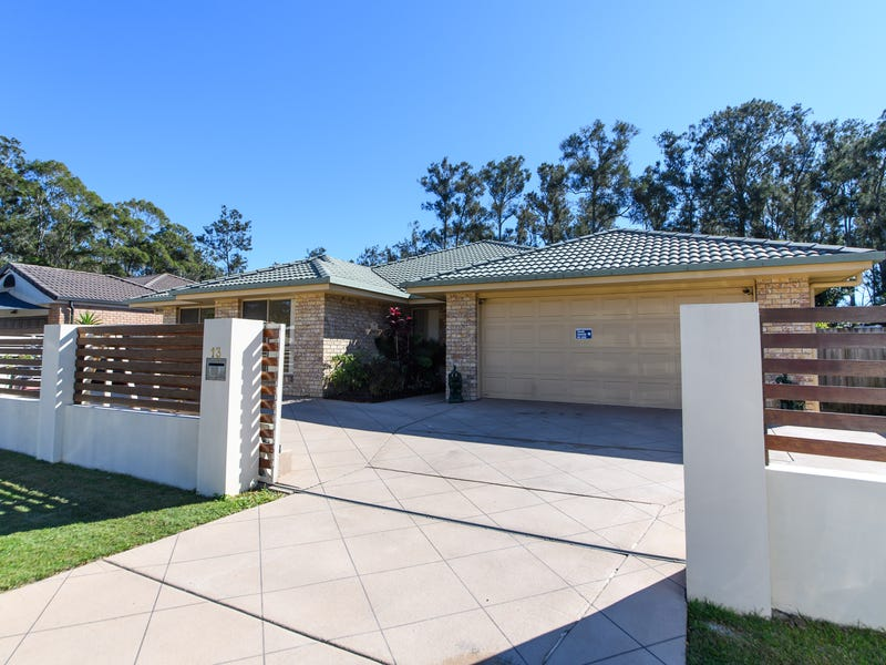 13 Waverley Park Cl, Oxenford, Qld 4210
