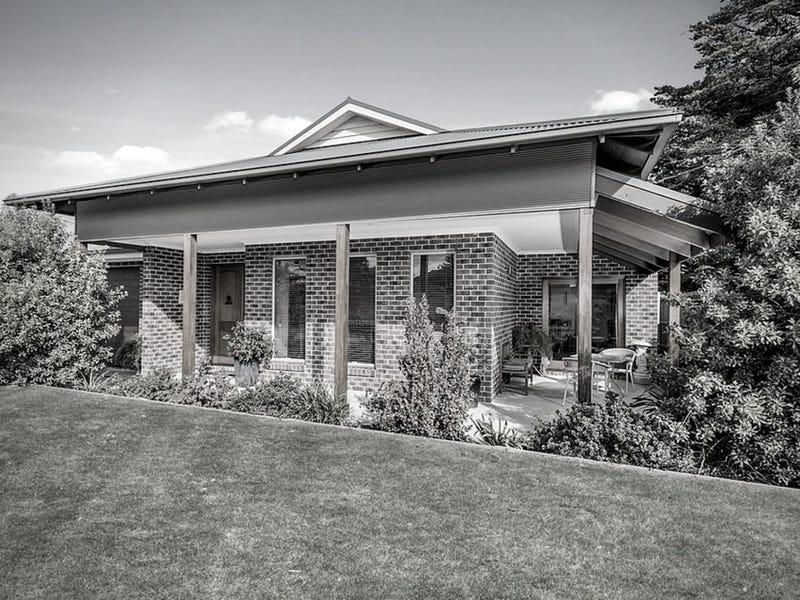 75 Mulgutherie Way, Gisborne, Vic 3437