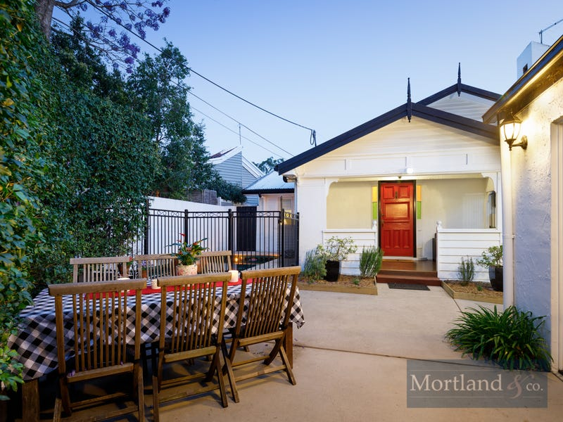 49 Central Avenue, St Lucia, Qld 4067