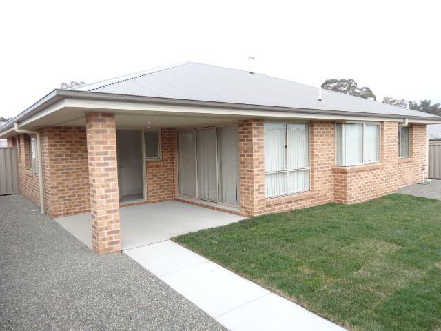 1/11 McKenna Avenue, Yass, NSW 2582