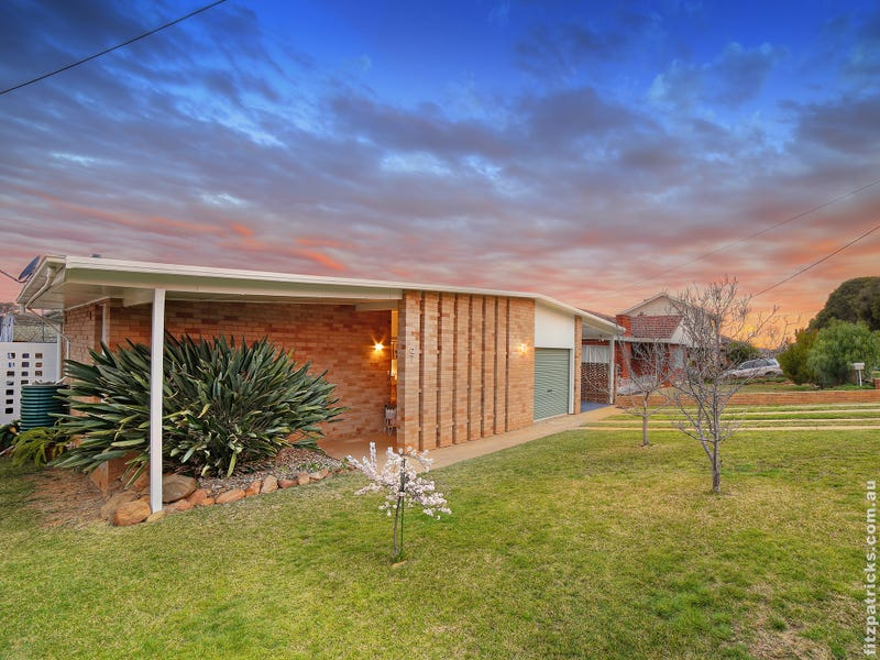 27 Grove Street, Kooringal, NSW 2650