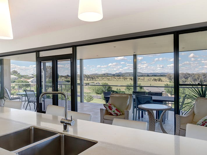 30 Robert Hoddle Grove, Mudgee, NSW 2850