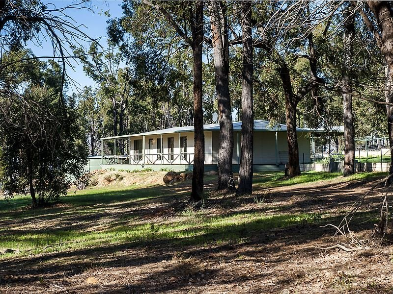 83 Fairway Place, Boddington, WA 6390