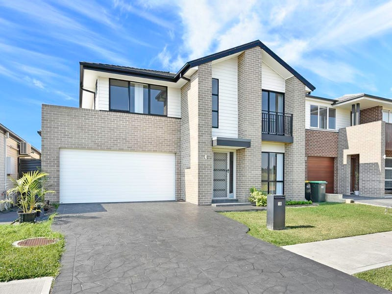 18 Clarence Drive, Elizabeth Hills, NSW 2171