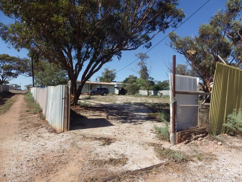 131 PHILLIPS STREET, Iron Knob, SA 5601