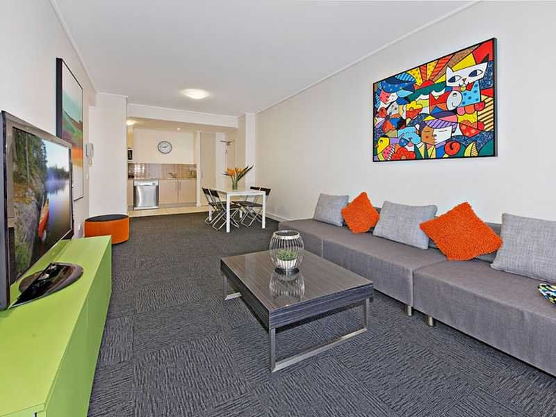 111/2 The Piazza, Wentworth Point, NSW 2127