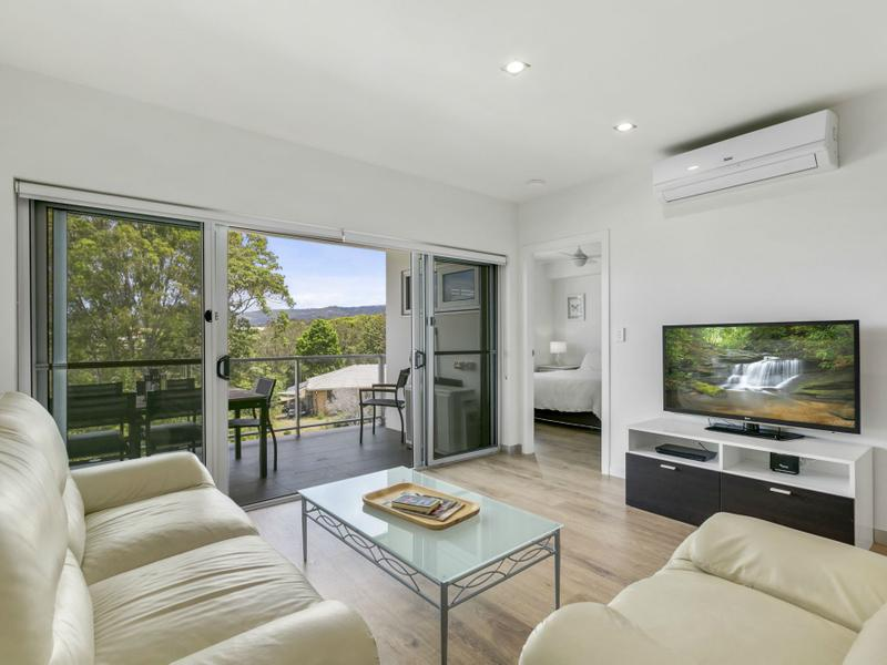 1305/31 Bourton Road, Merrimac, Qld 4226