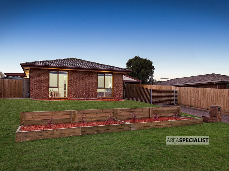 3 Mulberry Court, Cranbourne North, Vic 3977