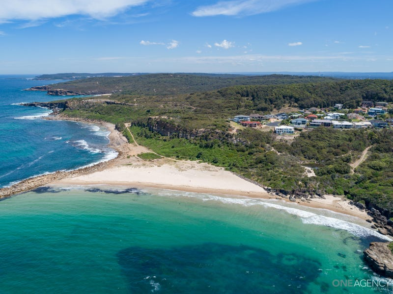 6 Seacliff Place, Caves Beach, NSW 2281