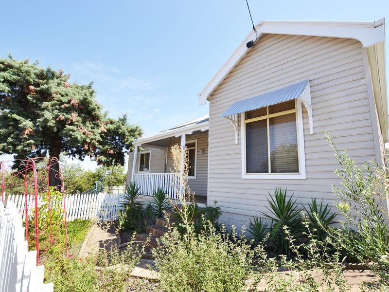 43 Commins Street, Junee, NSW 2663