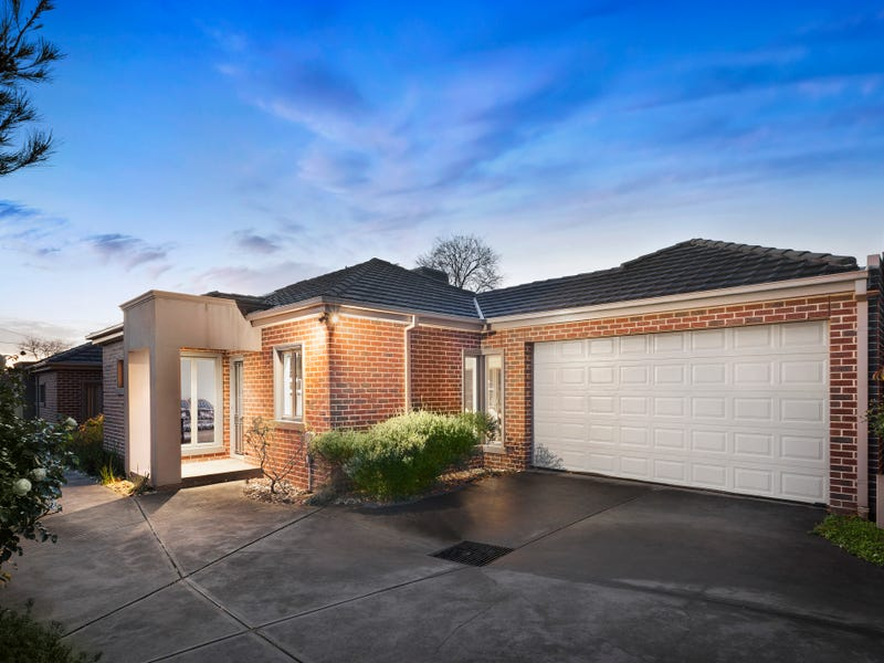2/13 Hedge End Road, Mitcham, Vic 3132