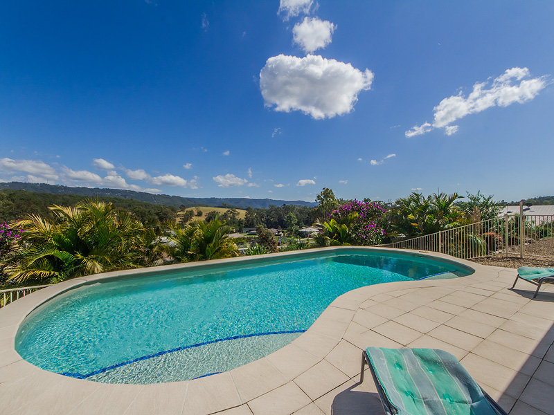 21 Mountain View Crest, Mount Nathan, Qld 4211