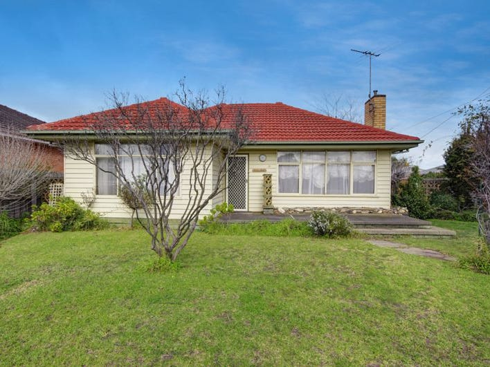 18 Charles Street, Newcomb, Vic 3219