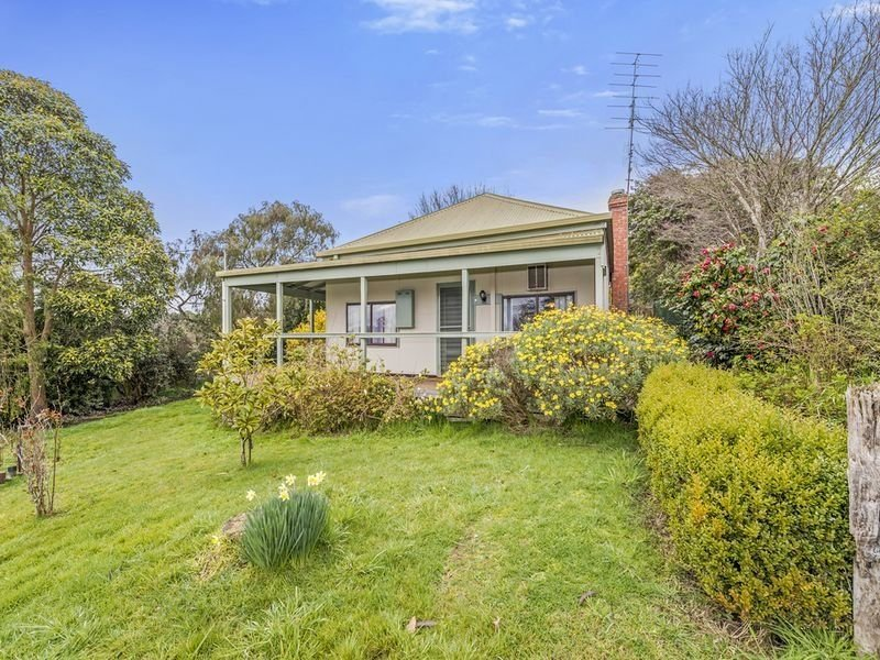 8 Blundy Street, Forrest, Vic 3236