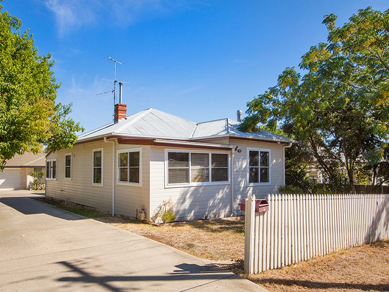 11 Rawson Avenue, Tamworth